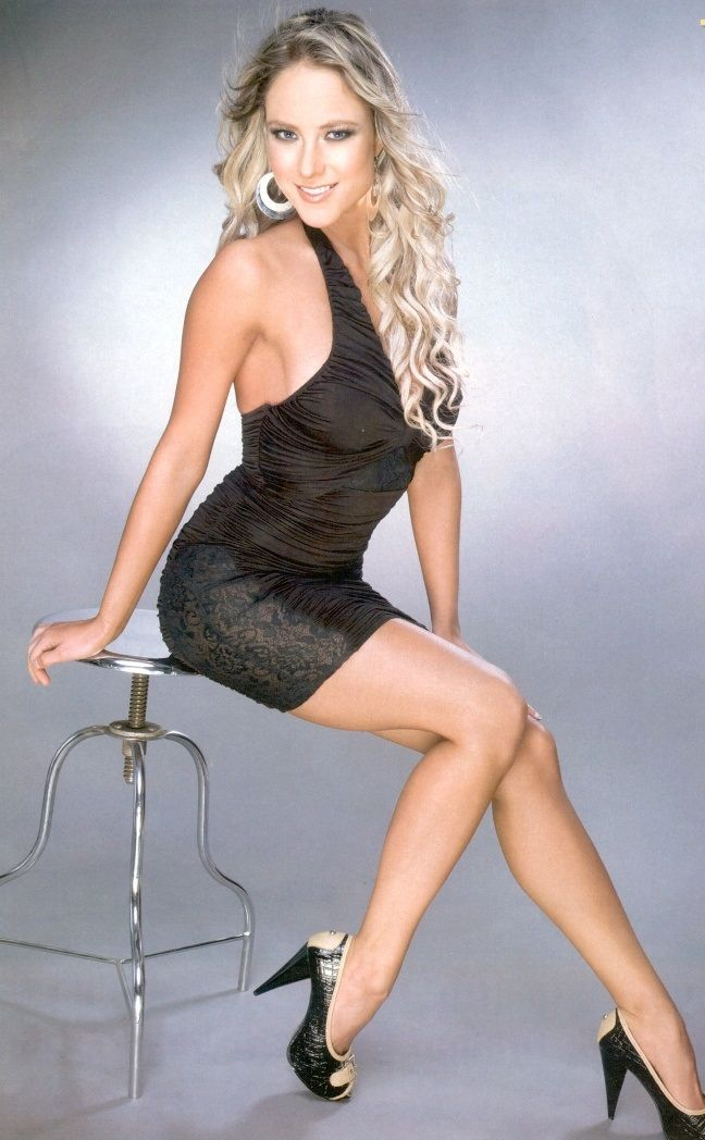 Female celebrity leg pictures