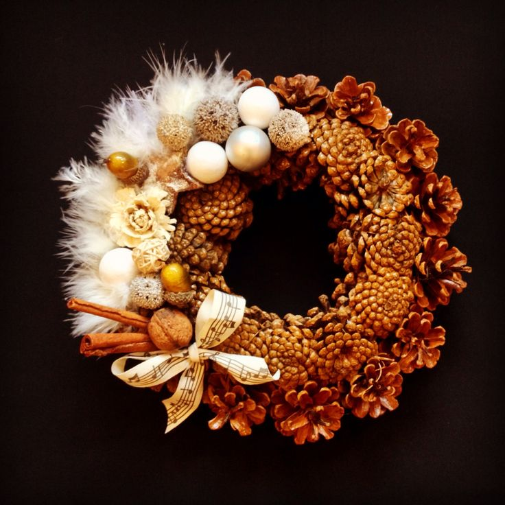 Christmas wreath by Atelier Floristic Aleksandra