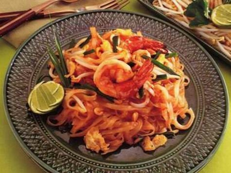 423 best thai food images on pinterest healthy meals asian food i love pad thai and this recipe is so easy and authentic love this market forumfinder Gallery