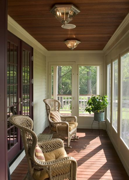 Stunning screened porch for a small master bed room