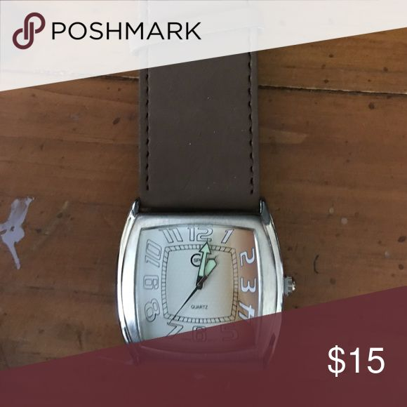 Womens brown watch Brown faux leather watch. Will need new battery. Accessories Watches
