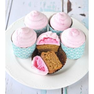 Inspiré de la tarte citron meringué, ce cupcake qui ravira petits et grands. http://cupcakeavenue.fr/54-cupcake-original
