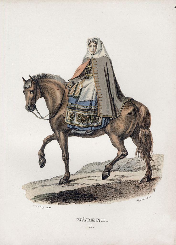 """SE Värend. En högtidsklädd kvinna från Värend i Småland som bär en fotsid ärmlös kappa av ålderdomligt snitt ridande på en häst. Teckning av J. G. Sandberg för bildverket """"Ett år i Sverige"""" (1827)."""