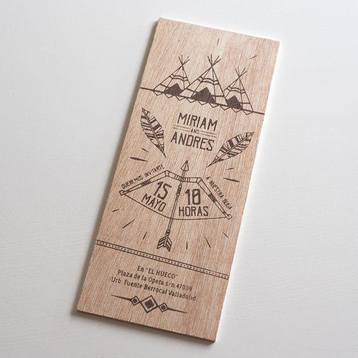 Invitaciones de madera Classic Forest rectangular.