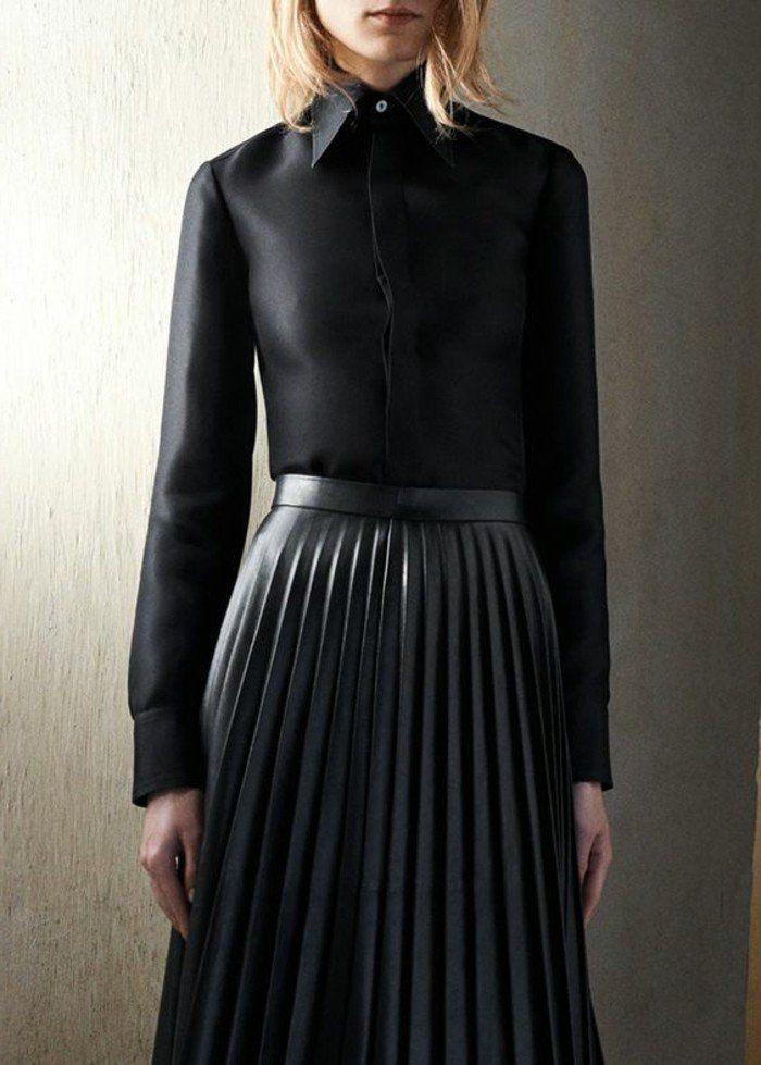 outfit noir femme tendances 2016, jupe plissée noire