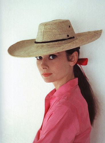 Audrey Hepburn by Howell ConantFashion, Style, Hollywood Glamour, Straws Hats, Audrey Hepburn, Audreyhepburn, Icons, Cowboy Hats, Ponies Tail