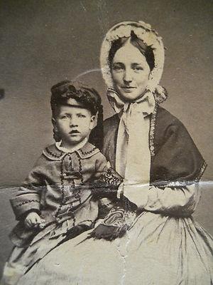 Beautiful Mother & Child~Fashionablle Attire~Bonnet~Civil War Era CDV Photo~   eBay