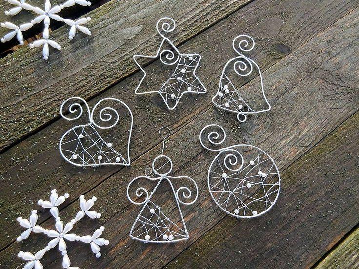 Dekorácie - strieborné vianoce z drôtu s bielymi perličkami... sada - 6245712_