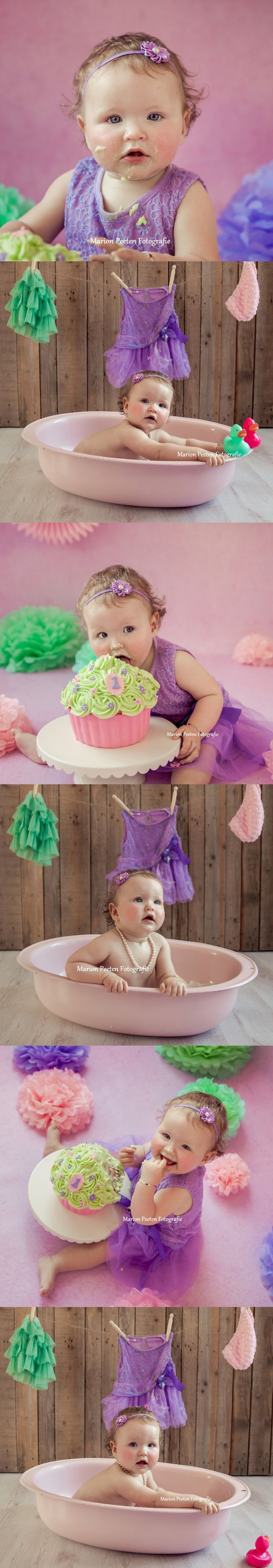 cake smash fotoshoot#taart fotoshoot#verjaardag fotoshoot#cake smash shoot# birthday shoot# one year old photoshoot#marion peeten fotografie#birthday girl# bathtub photoshoot#