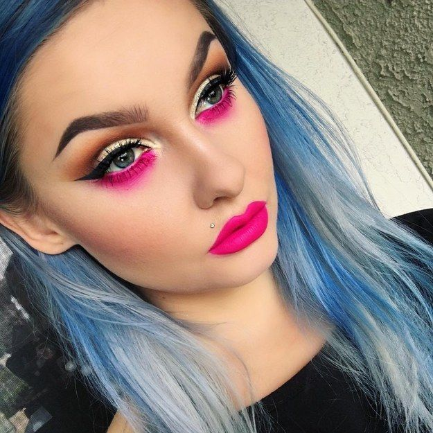 Neon lower lashline | 19 Ways Pink Eyeshadow Can Actually Look Totally Badass
