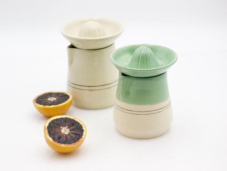 Citrus juicer - Pottery juicer  - Ceramic Lemon Reamer - Housewarming gift - Manual Hand Juicer - Citrus Strainer by claylicious on Etsy