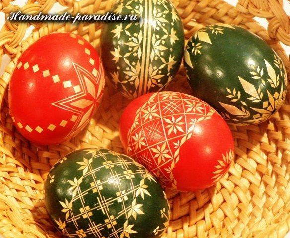 Декорирование пасхальных яиц соломкой. Соломка для декорирования яиц должна быть собрана летом и хорошо высушена в темном месте. Лучшая соломка — ржаная