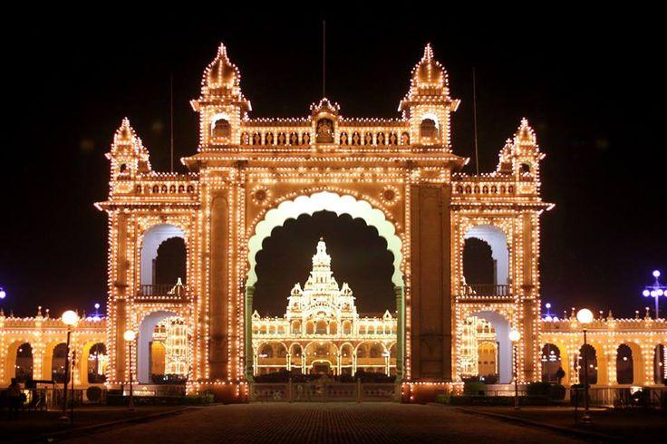 Palacio Real de Mysore, Mysore, India  -  Mysore Palace, Mysore, India -