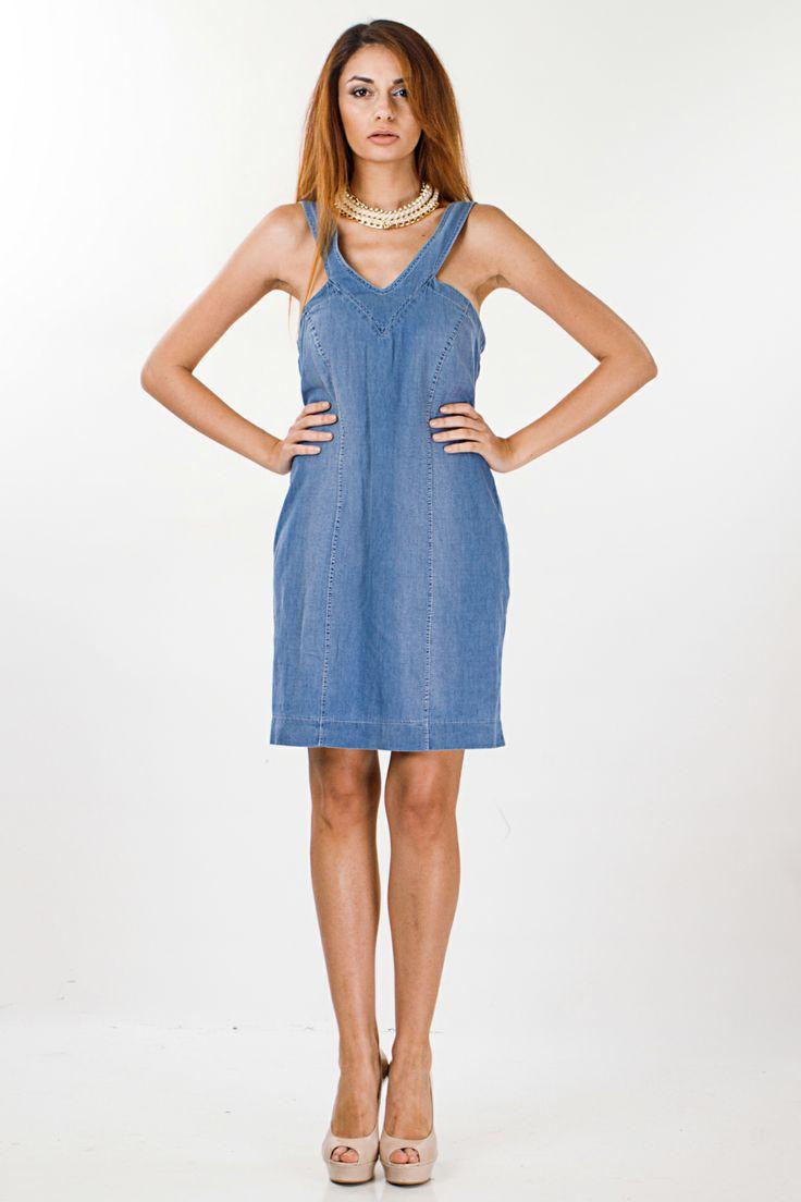 Φόρεμα τζίν Benissimo  100% Polyester – 100% Πολυέστερ  Ελληνικής Προέλευσης Τιμή: 30,43 € Δείτε το εδω: http:// www.benissimo.gr/forema-jean-benissimo-142091350.html