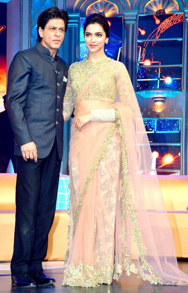 Shah Rukh Khan and Deepika Padukone at music launch of 'Happy New Year'.