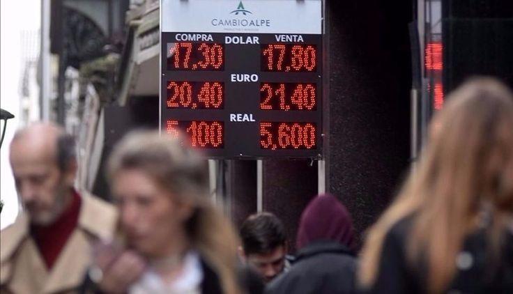 El dólar tocó los $18 ante la demanda y el clima electoral: En lo que va de julio el precio de la divisa ya acumuló una suba de más de un…