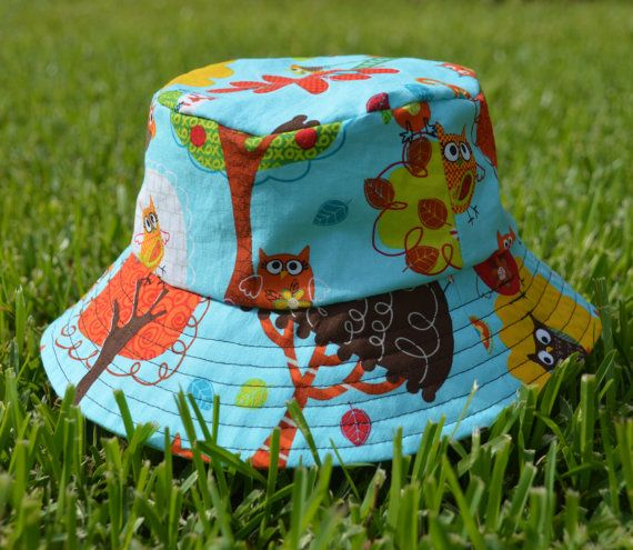 Reversible kids Bucket Hat/sunhat. Woodland Owls pattern and Star Pattern