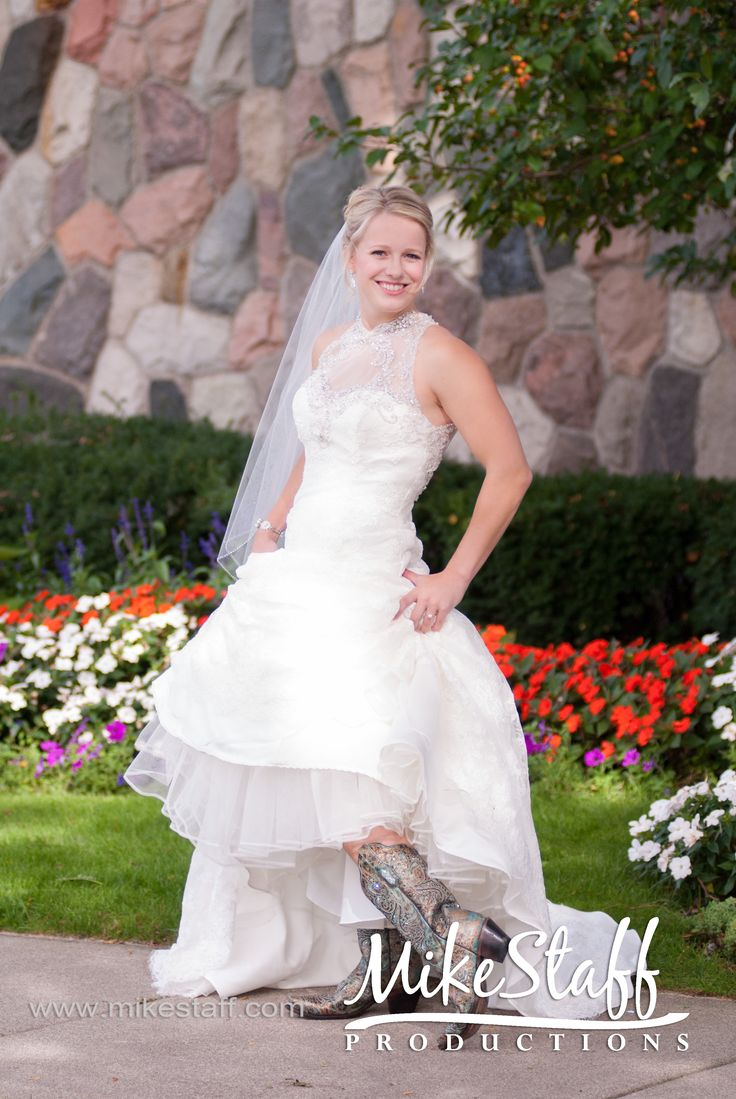 Wedding Photography Job Opportunities In Detroit And All Of Michigan