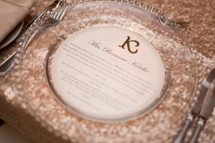 Photo: @amarie_photo || Champagne Glitter Linens, Menu Thank-you Place Card, Glass Charger Plate