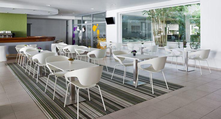 Acomódate donde quieras. Sólo tienes que venir al apartotel vacacional ILUNION Menorca. http://www.ilunionmenorca.com/