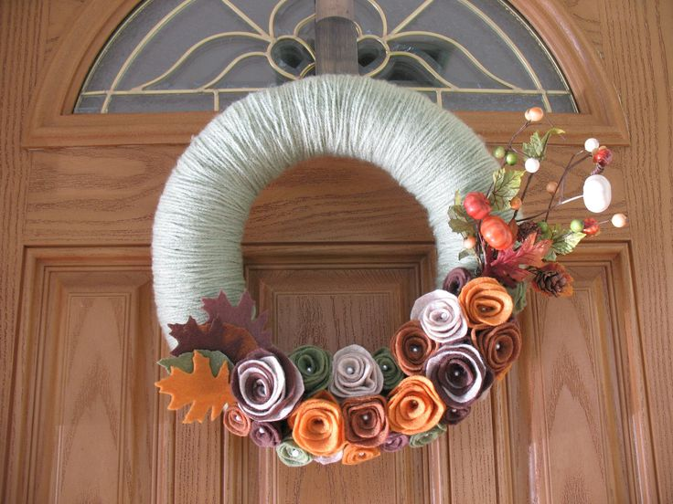 Pumpkin Patch Wreath- Fall Wreath--Autumn Wreath--Thanksgiving Wreath-Fall Decoration- Fall Pumpkin Decor- Felt Flower Pearl Yarn Wreath. $36.00, via Etsy.: Fall Wreaths Autumn, Wreaths Fall, Wreaths Thanksgiving, Patches Wreaths, Fall Pumpkins, Autumn Wreaths, Pumpkin Patches, Yarns Wreaths, Felt Flowers