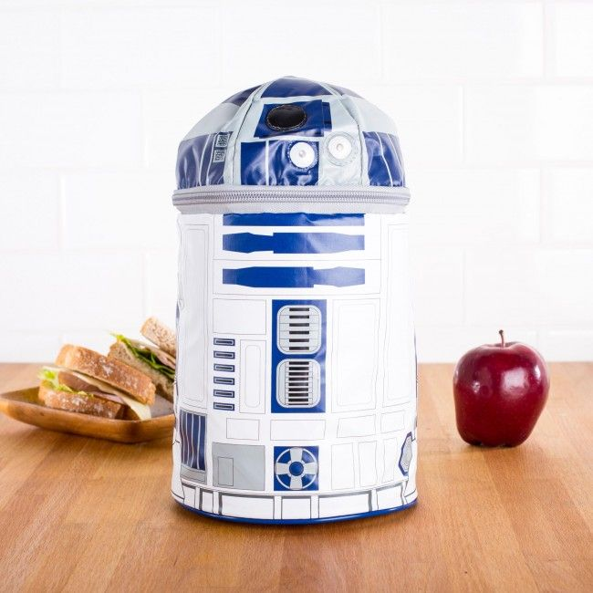 Beep boop beep! Make sure your little one's lunch is ready when it's time to recharge their batteries. The 'R2D2' Lunch bag is insulated to keep food fresh until it's time to eat and has a fun push button sound effect.