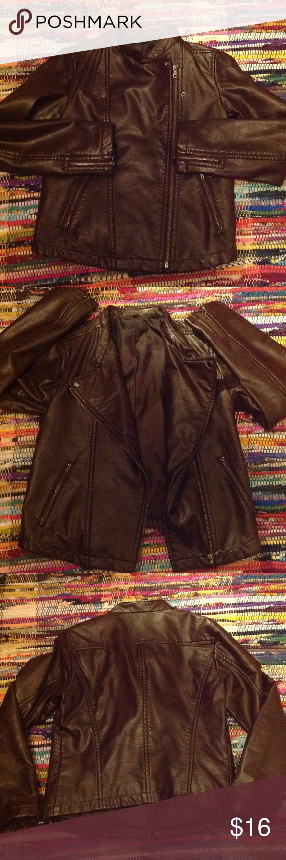 """✨Uniqlo Awesome biker style jacket ❣️ I love this jacket but it's been sitting in my closet for a long time. Faux soft leather. Color brown like rich milk chocolate. Great fit. In excellent condition. Size small. Measurements lying flat: armpit to armpit 16"""". Shoulder to waist 21"""" . Arms 22"""". My home is pets and smoke free. Bundle and save 15%✨ Uniqlo Jackets & Coats Utility Jackets"""