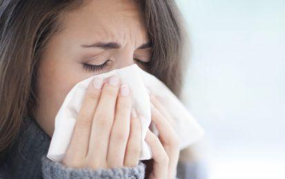 Influenza 2015/2016: sintomi, cura e rimedi - L'influenza 2015/2016, dai sintomi tipici come naso che cola e febbre, trova la cura negli antivirali. Molto utili anche i rimedi popolari.