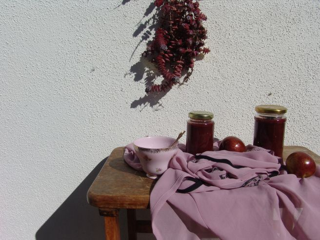 Plum conserve with ginger and cardamon http://withsunlightandcoffee.com/2015/02/20/spiced-plum-conserve-and-chia-jam/
