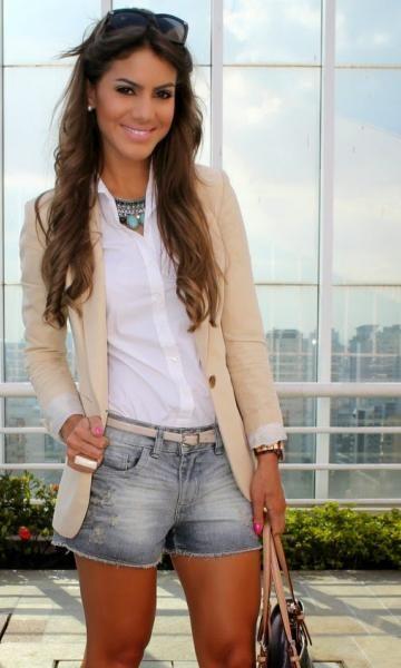 Look Blazer com Short de Camila Coelho