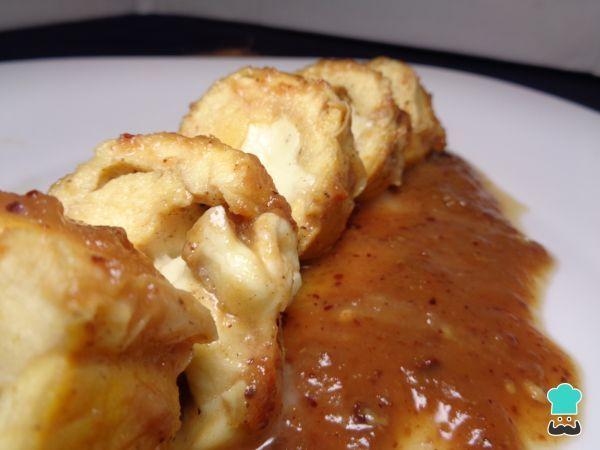 Receta de Pechuga de pollo rellena de queso en salsa tamarindo #RecetasGratis #RecetasFáciles #RecetasdeCocina #Pollo #ChickenLovers #PechugadePollo #PolloRelleno #Tamarindo