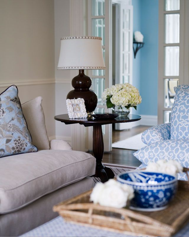 Blue Decor Feels So Fresh For The Home. Like The Wall Color Mixed With The