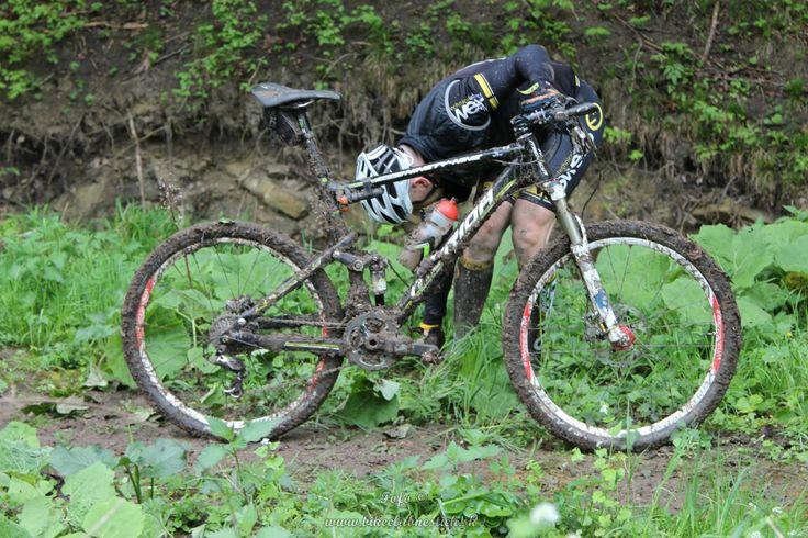 Dirty mud bike MTB mountainbike maraton