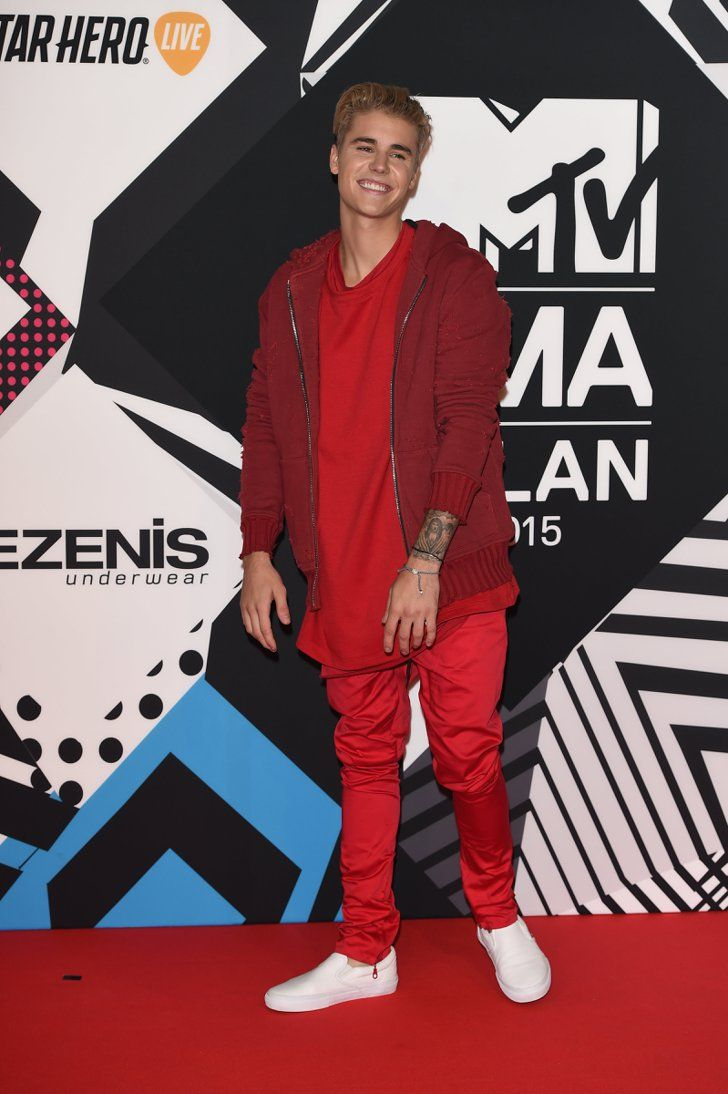 Pin for Later: Justin Bieber Looks Cuter Than Ever While Cleaning Up at the MTV EMAs