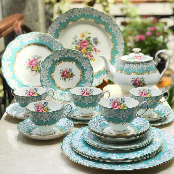 Beautiful Vintage Teaset - RA Enchantment