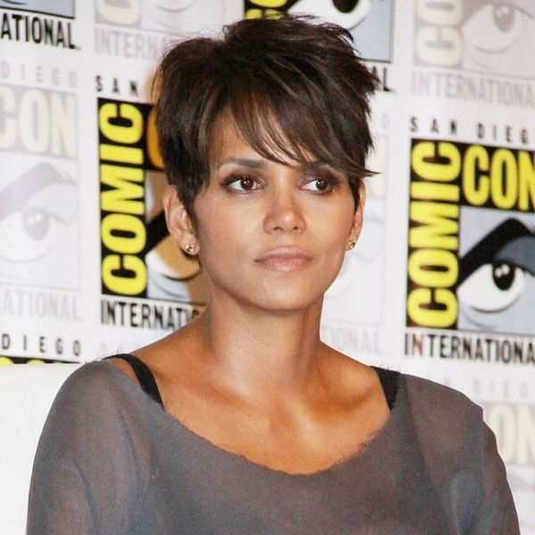 halle berry short hair Google Search Pixie cuts I love Pinterest