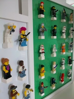 Minifigure storage -get a glass picture frame... put the color of paper