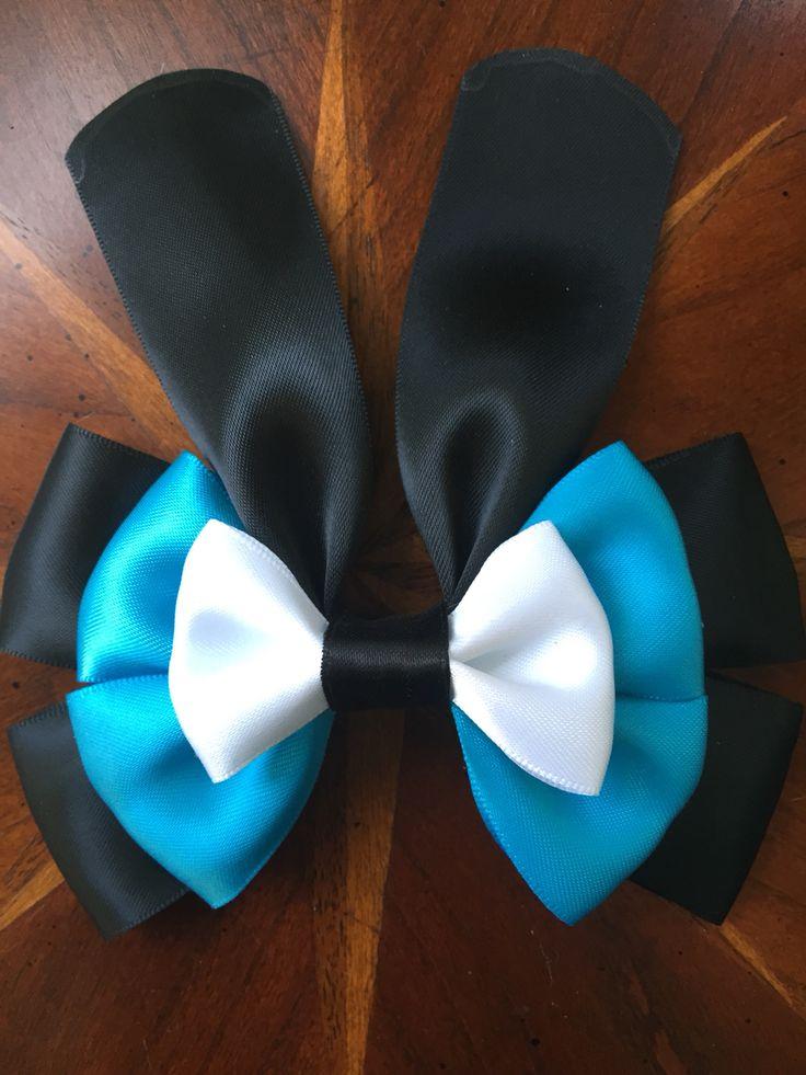 Disney's Oswald the Lucky Rabbit. Handmade by #missmbowtique @missmbowtique