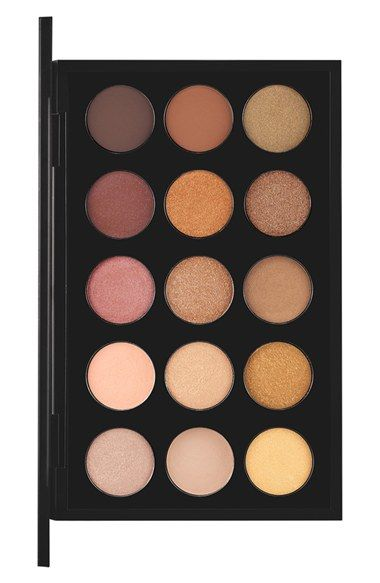 Love how the eyeshadow in this warm neutral Mac palette applies evenly and blends and builds beautifully.