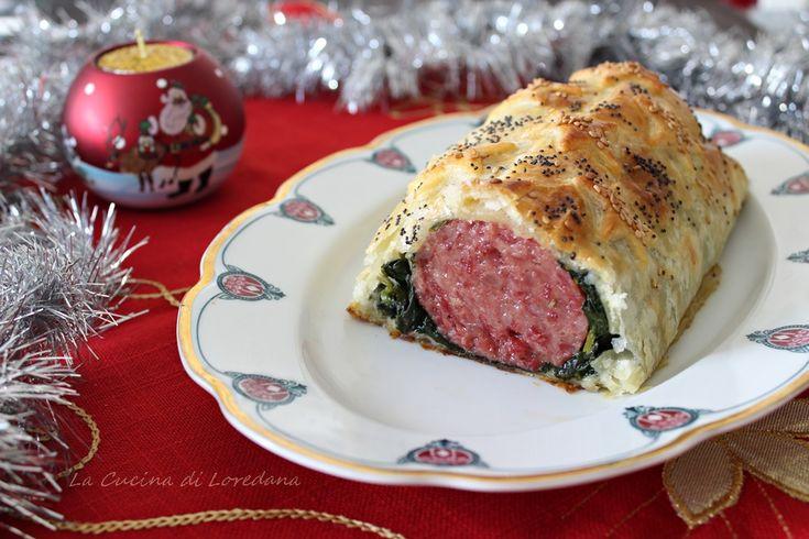 Un modo gustoso e saporito per portare in tavola il cotechino e arricchire il Cenone di Capodanno: Cotechino in sfoglia, semplice e delizioso