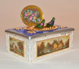 Pretty Bird Music Box