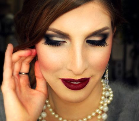 This 1920's inspired makeup tutorial will definitely make you all dolled up and glamorous.