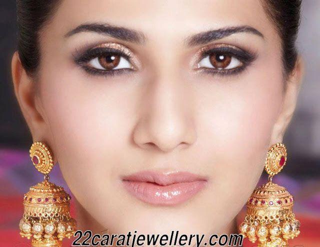 Jewellery Designs: Heavy Jumkas (buttas)