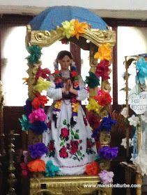 Virgen elaborada en Pasta de Caña con vestimenta tradicional indigena en Erongaricuaro, Michoacán