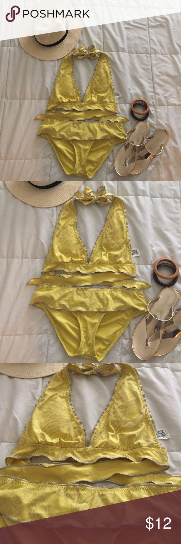 Bikini 👙 winter holiday 🍋 yellow and paisley BECCA BIKINI ( one time use) size MM( my bra is 34 DDD) fits great ! BECCA Swim Bikinis