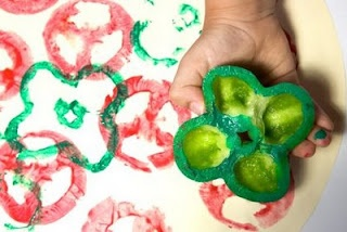 Use veggies to stamp pizza toppings - could be a cute bulletin board