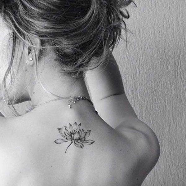 Einfache elegante Lotus Flower Tattoo
