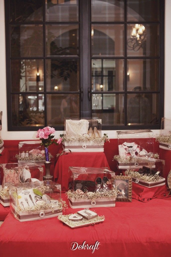 Chic Red and Gold Engagement Party. Dekorasi seserahan lamaran by White Hampers - www.thebridedept.com