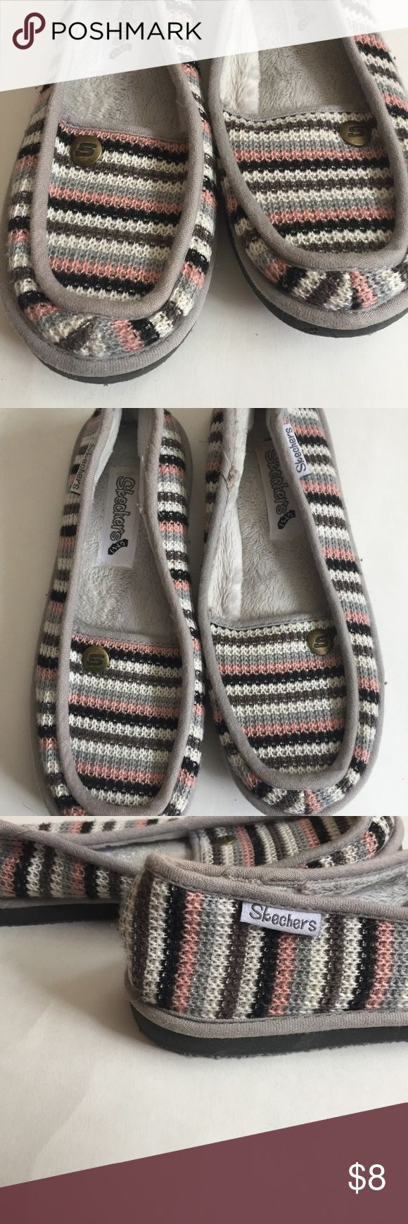 "Sketchers Slippers size 7 Pre-owned but in great condition. Faux fur lining. Knitted exterior. 10"" long Sketchers  Shoes Slippers"