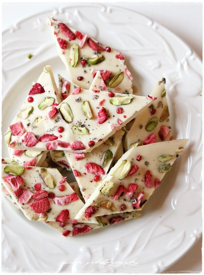 White chocolate with dried strawberries and pistachios